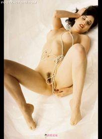 稀缺【图片】著名脱衣舞娘-蒂塔万提斯-裸照(外网收集的零散图)【26.5M】【百度云】【永久有效,挂了会补】