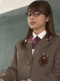 戴眼镜的JK制服女班长勾引同学做爱,请求全部射到她脸上【1V4.9G】【种子】
