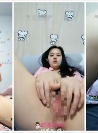 【极品骚货】2020.1.16-17(小骚货灰灰)瘦瘦的小美女,秀房自慰尿尿,看表情像是高潮了【4V/2.94G】【百度云】